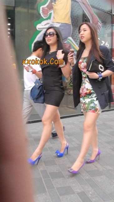 气质超赞的短裙工作装美女少妇4