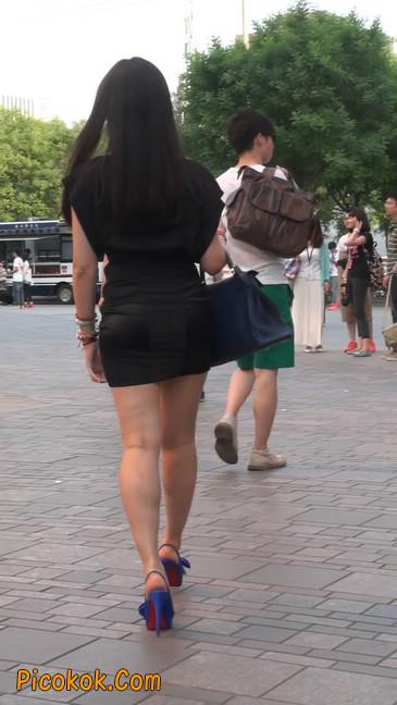 气质超赞的短裙工作装美女少妇7