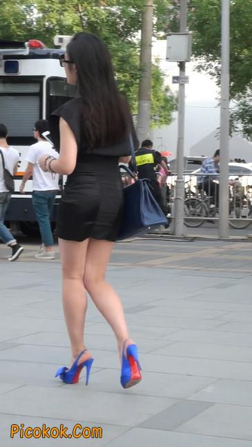 气质超赞的短裙工作装美女少妇15