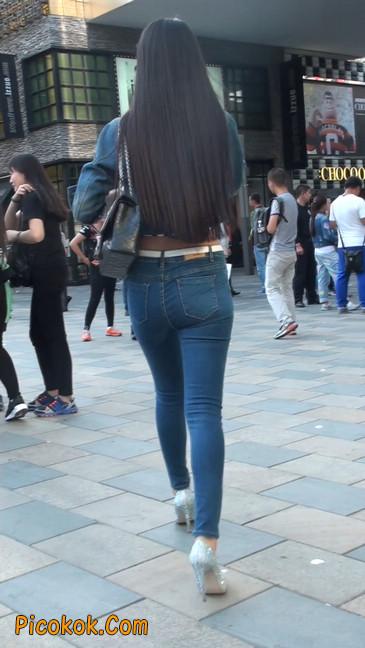 非常漂亮的紧身牛仔裤美女1