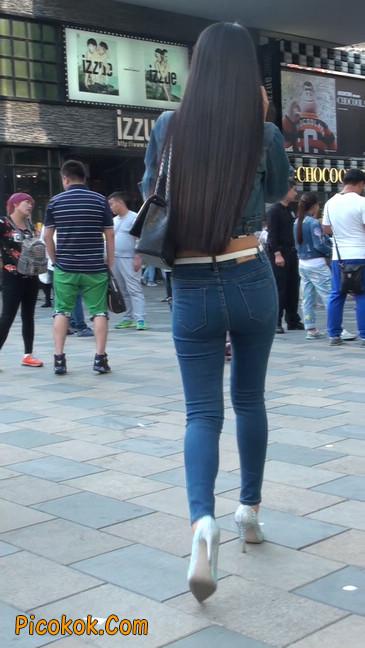 非常漂亮的紧身牛仔裤美女2