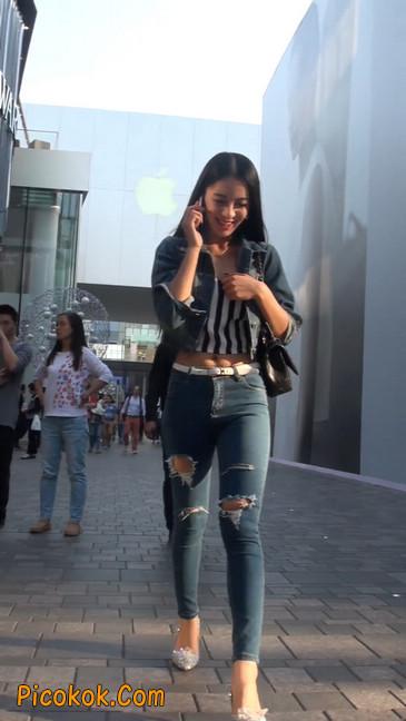 非常漂亮的紧身牛仔裤美女17