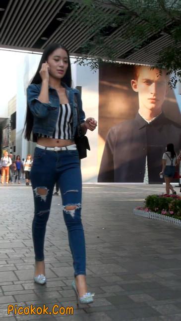 非常漂亮的紧身牛仔裤美女26