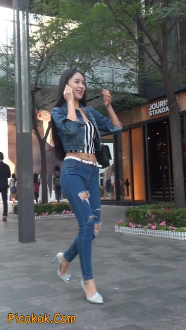 非常漂亮的紧身牛仔裤美女30