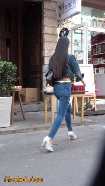 非常漂亮的紧身牛仔裤美女40