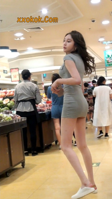 街拍极品超短裙气质网红美女16