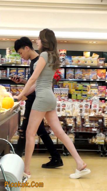 街拍极品超短裙气质网红美女31