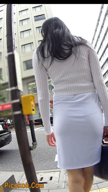 职场少妇太有韵味,紧身裙印出臀痕5