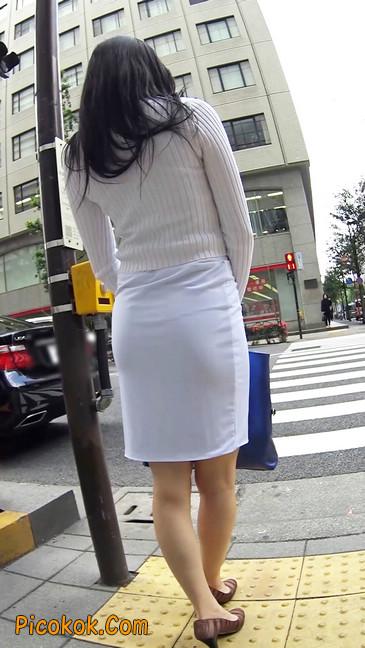 职场少妇太有韵味,紧身裙印出臀痕6
