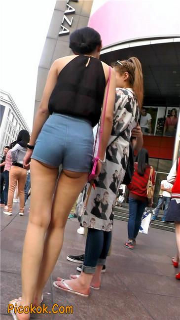 强烈推荐,街拍超极品的透视装性感包臀美女,视频绝对让你冲动3
