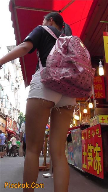 如此的紧身热裤,如此的翘臀1