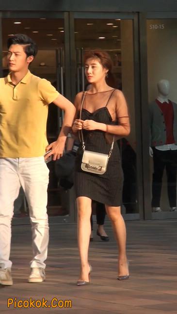 十分性感的薄纱超短裙美女2