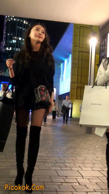 很可爱的短裙黑丝娃娃脸美女4