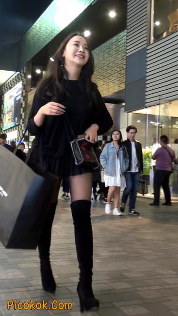 很可爱的短裙黑丝娃娃脸美女7