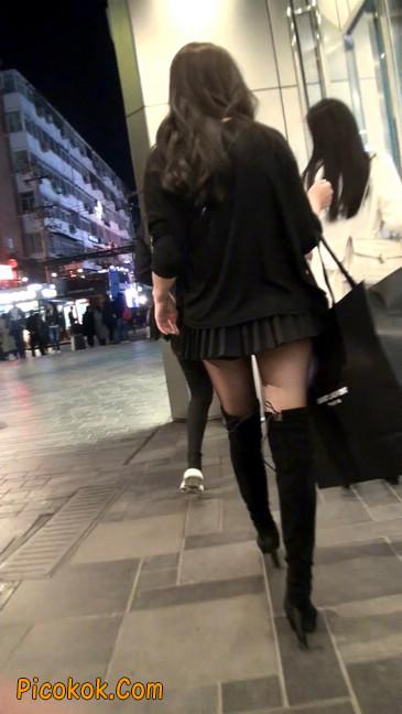 很可爱的短裙黑丝娃娃脸美女8