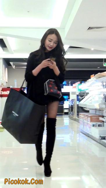 很可爱的短裙黑丝娃娃脸美女16