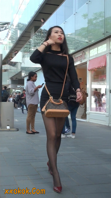 十分性感的超短连衣裙黑丝美少妇1