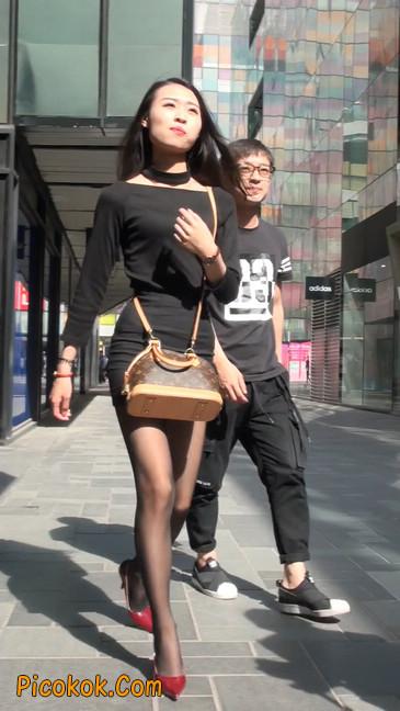 十分性感的超短连衣裙黑丝美少妇2