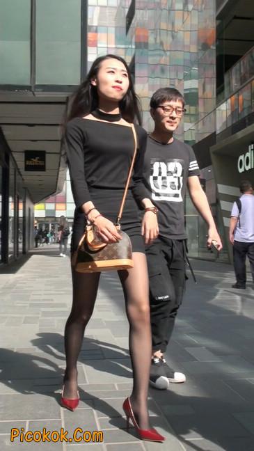 十分性感的超短连衣裙黑丝美少妇3