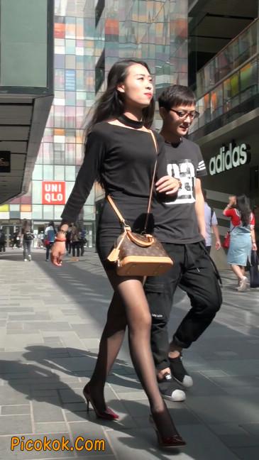 十分性感的超短连衣裙黑丝美少妇4