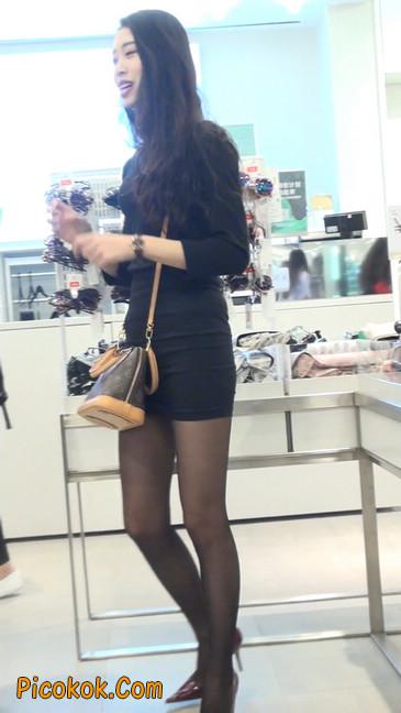 十分性感的超短连衣裙黑丝美少妇23