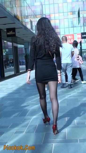 十分性感的超短连衣裙黑丝美少妇24