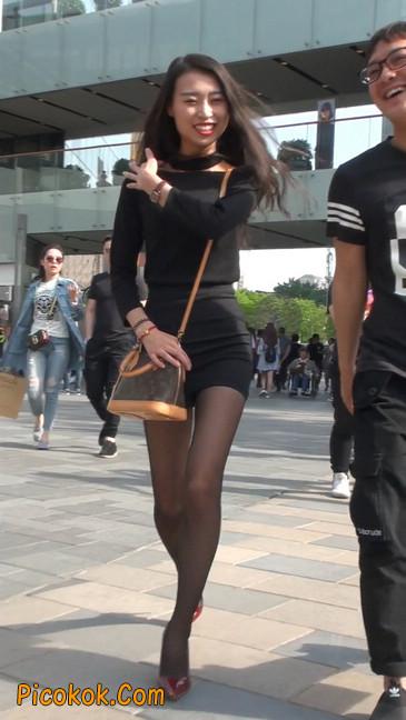 十分性感的超短连衣裙黑丝美少妇30