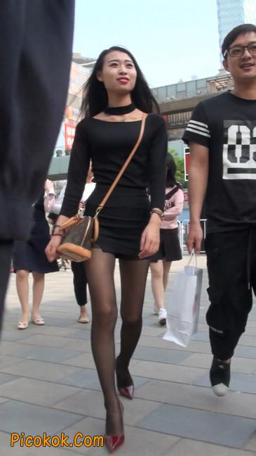 十分性感的超短连衣裙黑丝美少妇33