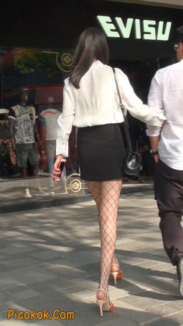 非常诱人的网格丝袜短裙美少妇2