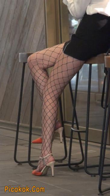 非常诱人的网格丝袜短裙美少妇28