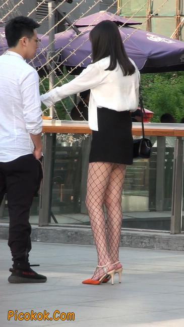 非常诱人的网格丝袜短裙美少妇38
