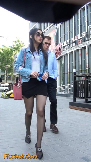 身材很棒的短裙黑丝美女2