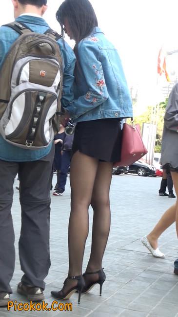 身材很棒的短裙黑丝美女6