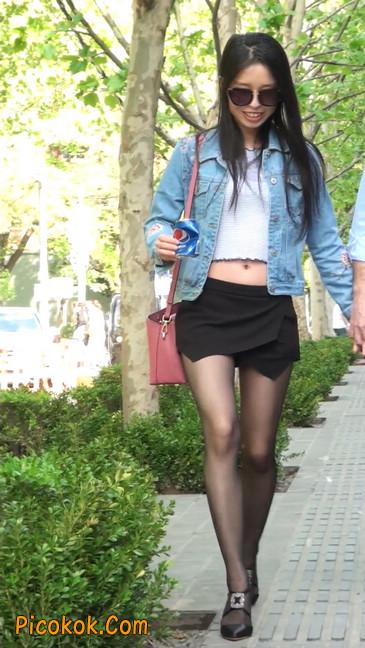 身材很棒的短裙黑丝美女8
