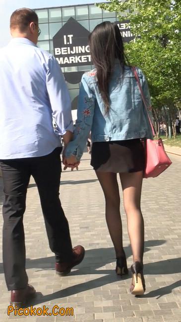 身材很棒的短裙黑丝美女10