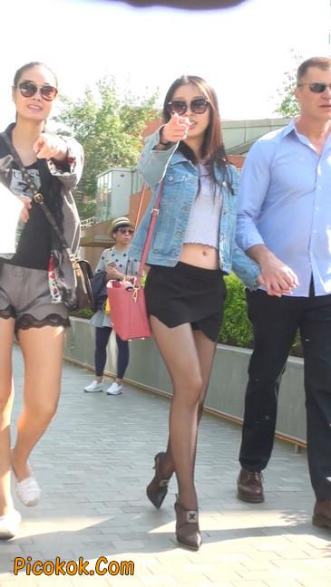身材很棒的短裙黑丝美女16