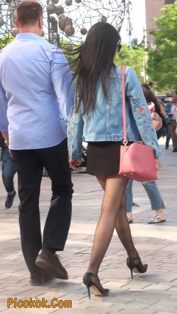 身材很棒的短裙黑丝美女21