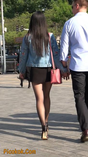 身材很棒的短裙黑丝美女24