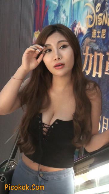 豪乳美女颜值不赖身材特性感5