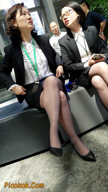 黑丝姐姐好知性,想要和你排排坐7