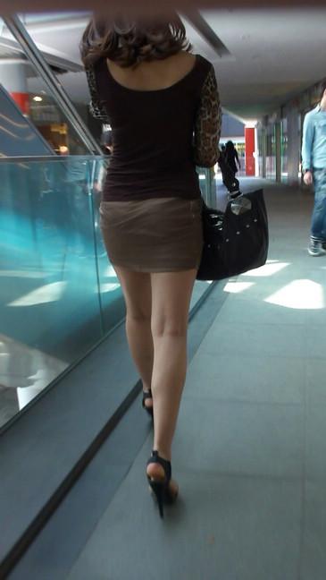 轻熟女超短裙翘臀的魅惑11