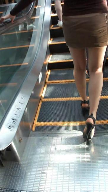 轻熟女超短裙翘臀的魅惑14