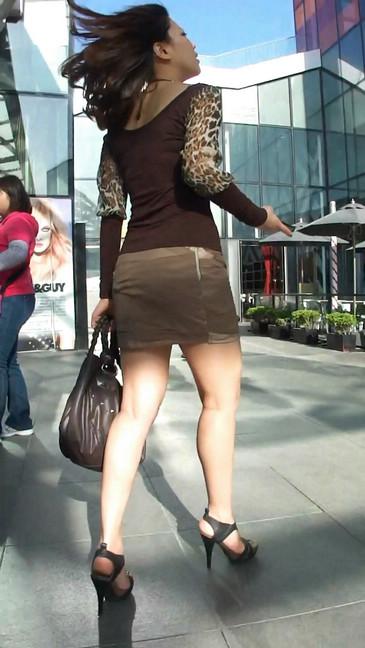 轻熟女超短裙翘臀的魅惑19
