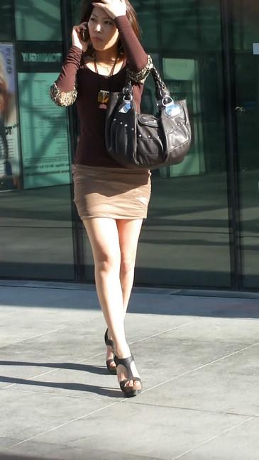 轻熟女超短裙翘臀的魅惑24