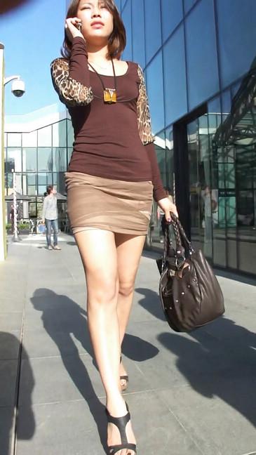 轻熟女超短裙翘臀的魅惑32