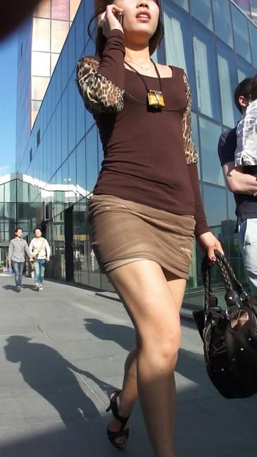 轻熟女超短裙翘臀的魅惑38