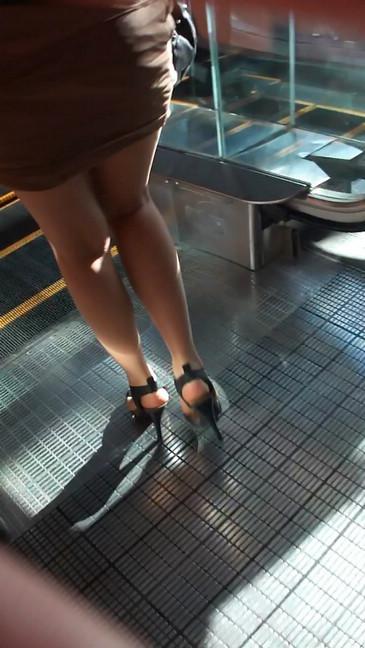 轻熟女超短裙翘臀的魅惑3