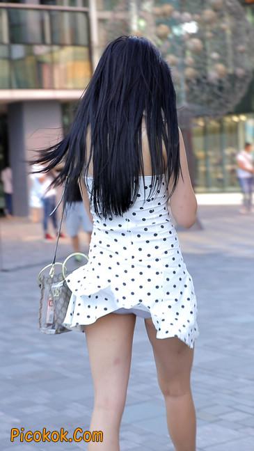 美女穿这么性感出门,真的会浮想翩翩的18