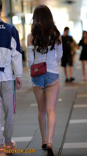 极品紧牛热裤,美女可太敢穿了6