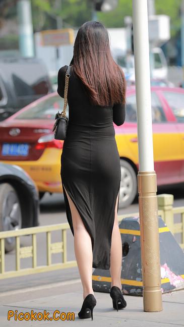 长裙妹子身材劲爆,紧身长裙超透好性感,哥哥为你心跳22